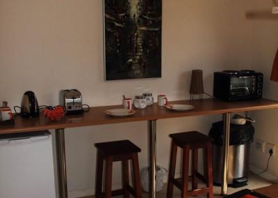 B&B Orange apt Sheffield Beach kitchen 2